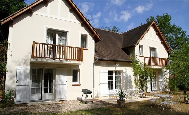 Sale house / villa Bois le roi 650000€ - Picture 1