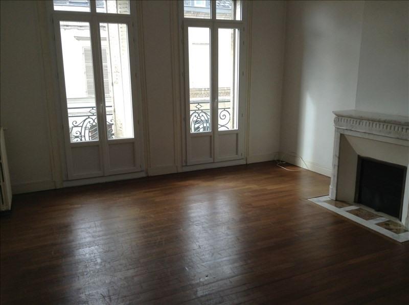 Rental house / villa St quentin 1300€ CC - Picture 1