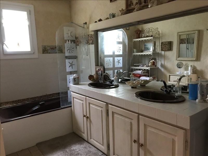 Sale house / villa Riorges 311000€ - Picture 9