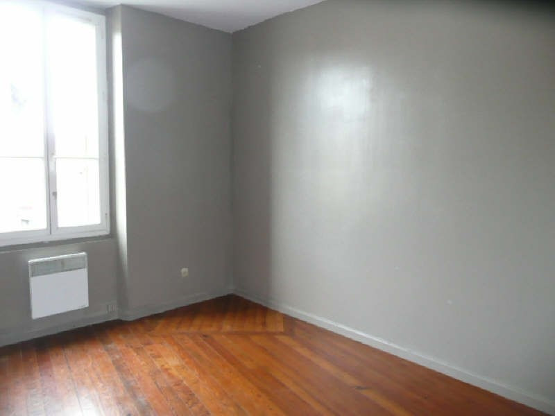 Location appartement Argent sur sauldre 368€ CC - Photo 3