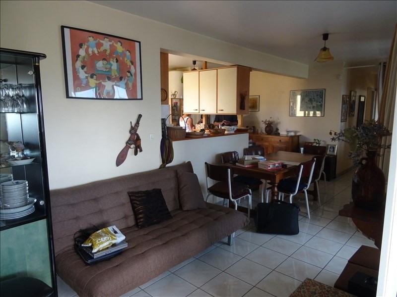 Sale apartment St pierre 153700€ - Picture 1