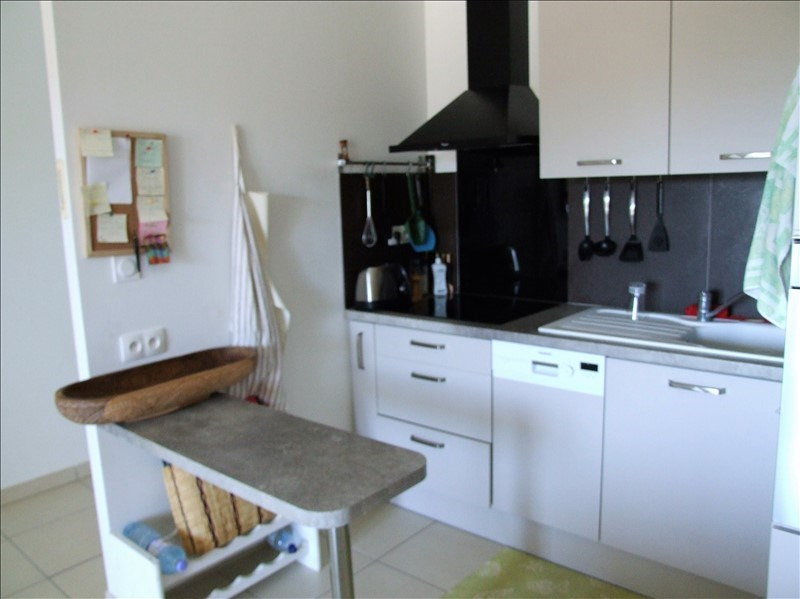 Sale apartment La londe les maures 209 000€ - Picture 2