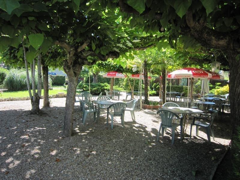 Sale house / villa Lavardac 380000€ - Picture 2