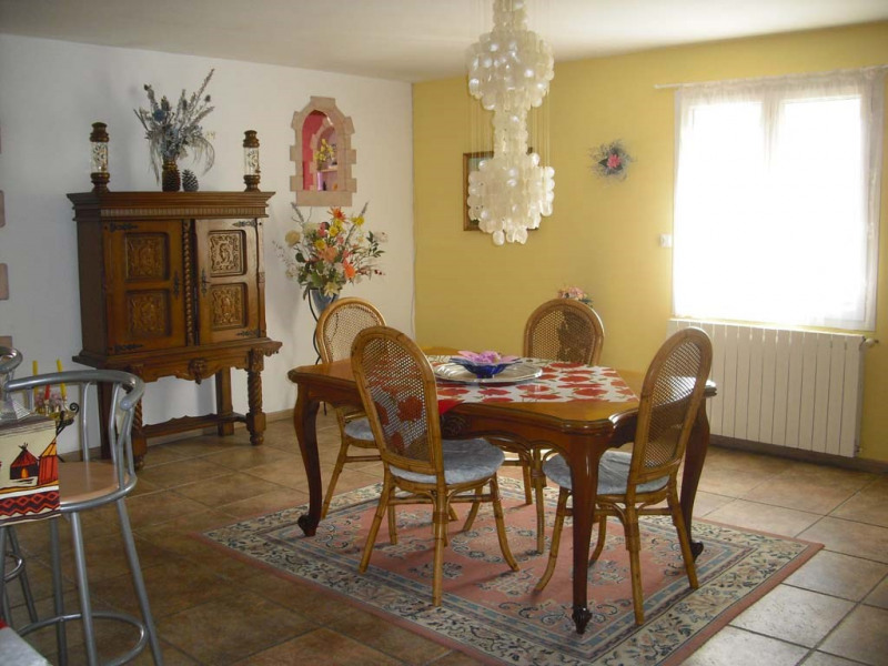 Sale house / villa Semussac 294 000€ - Picture 2