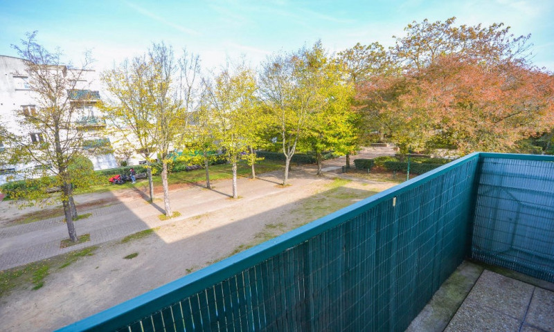 Vente appartement Plaisir 190 000€ - Photo 2