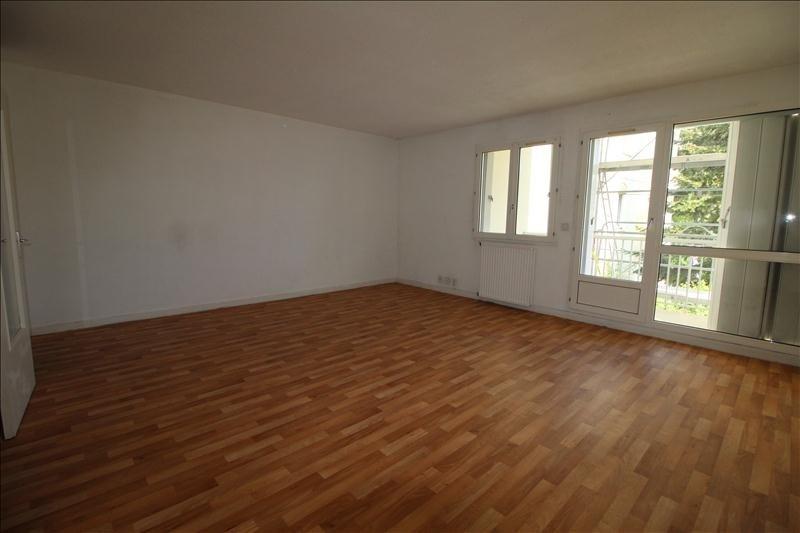 Rental apartment Chatou 692€ CC - Picture 2