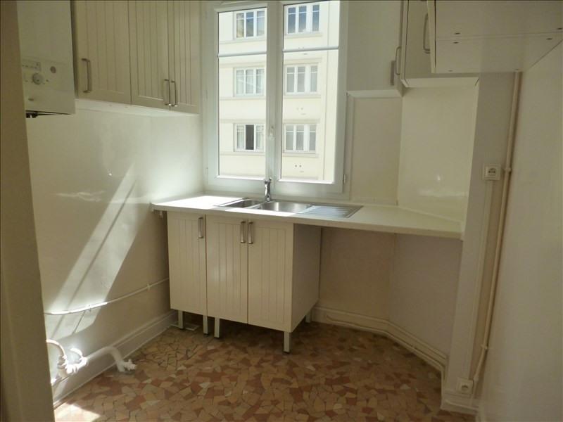 Alquiler  apartamento Paris 18ème 1515€ CC - Fotografía 3