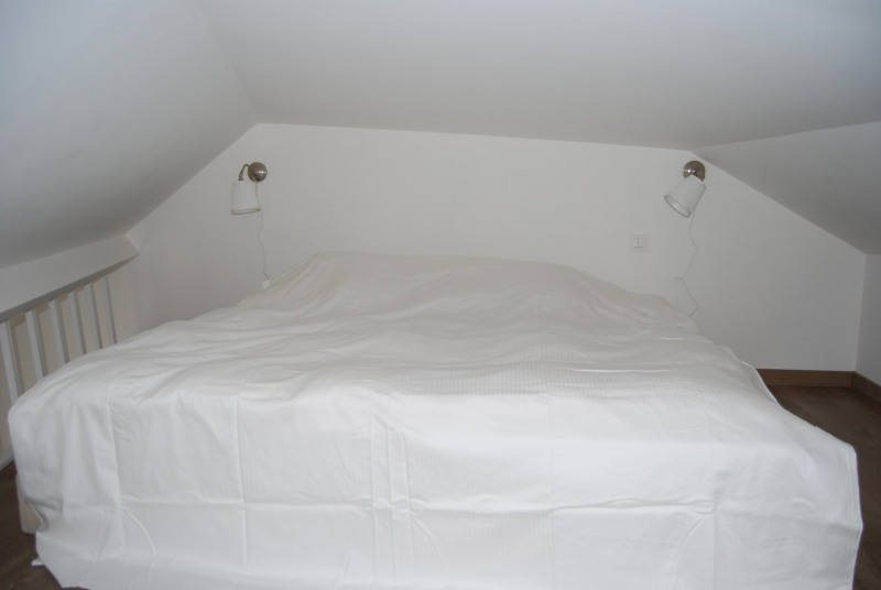 Location appartement Fontainebleau 930€ CC - Photo 4