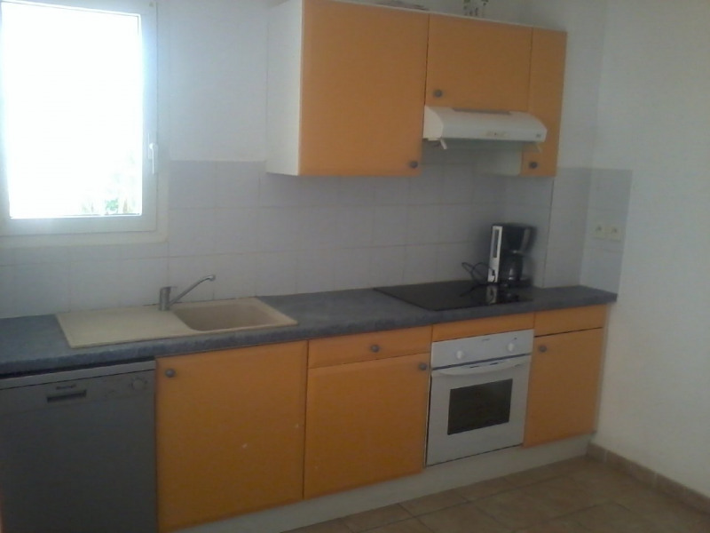 Rental house / villa Gourbeyre 946€ CC - Picture 3