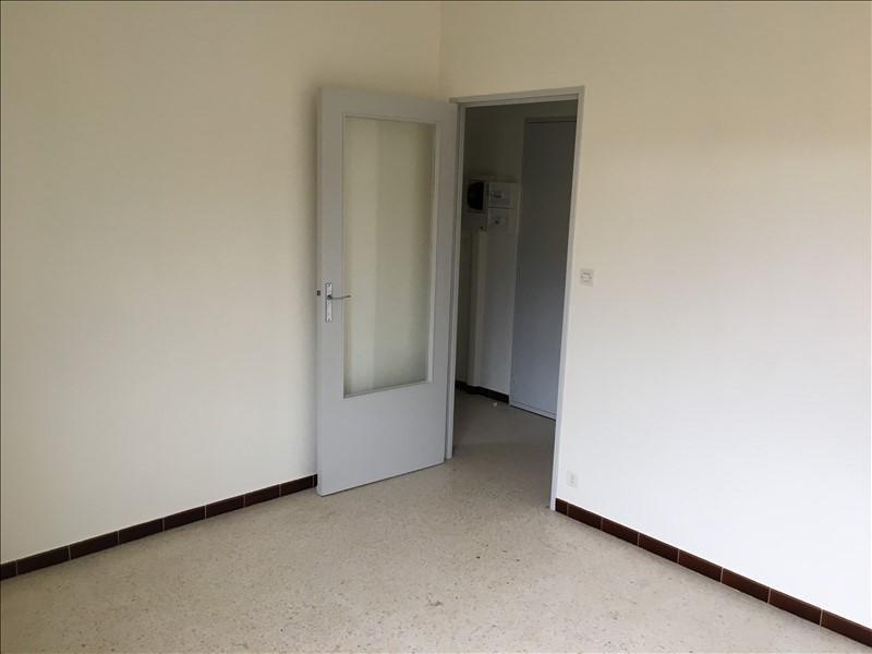 Rental apartment Nimes 490€ CC - Picture 2