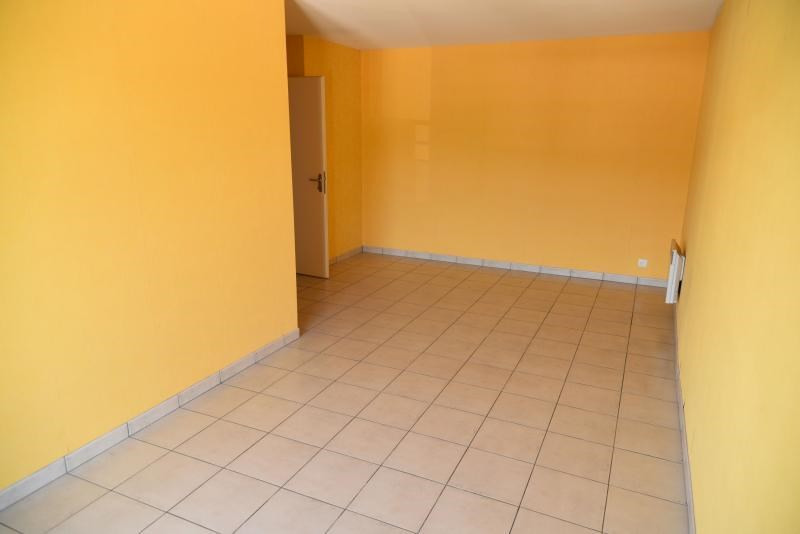 Rental apartment Bellignat 363€ CC - Picture 2