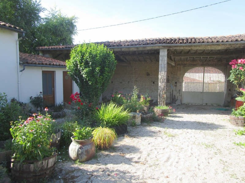Sale house / villa Matha 45780€ - Picture 2