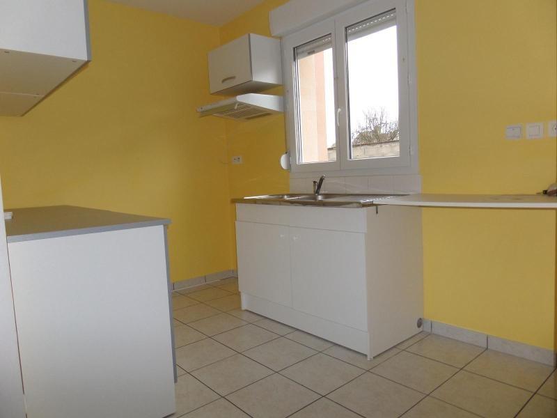 Location maison / villa St julien 896€ CC - Photo 5