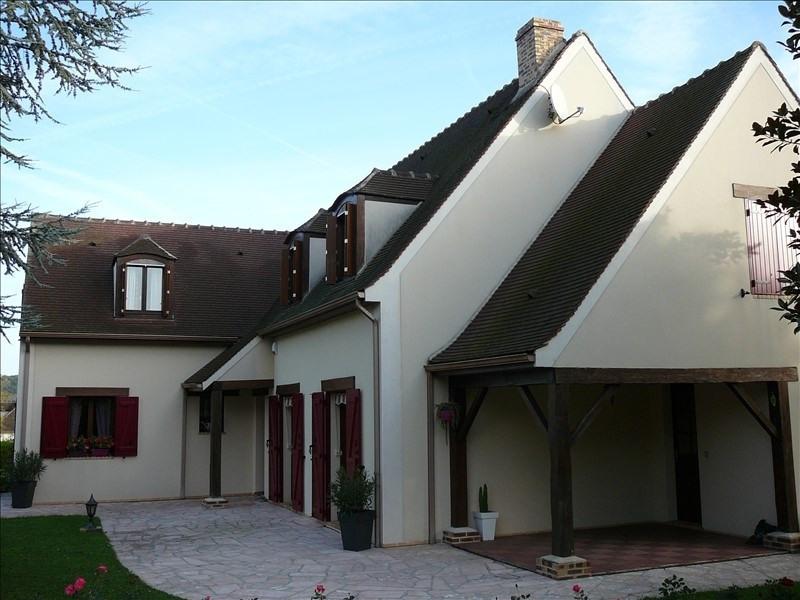 Sale house / villa Boutigny 497000€ - Picture 1