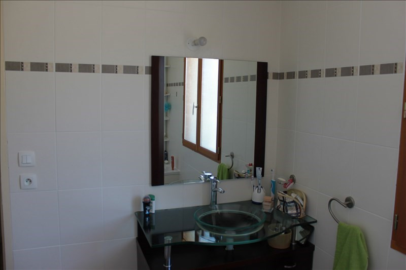 Sale house / villa Roussillon 189000€ - Picture 5