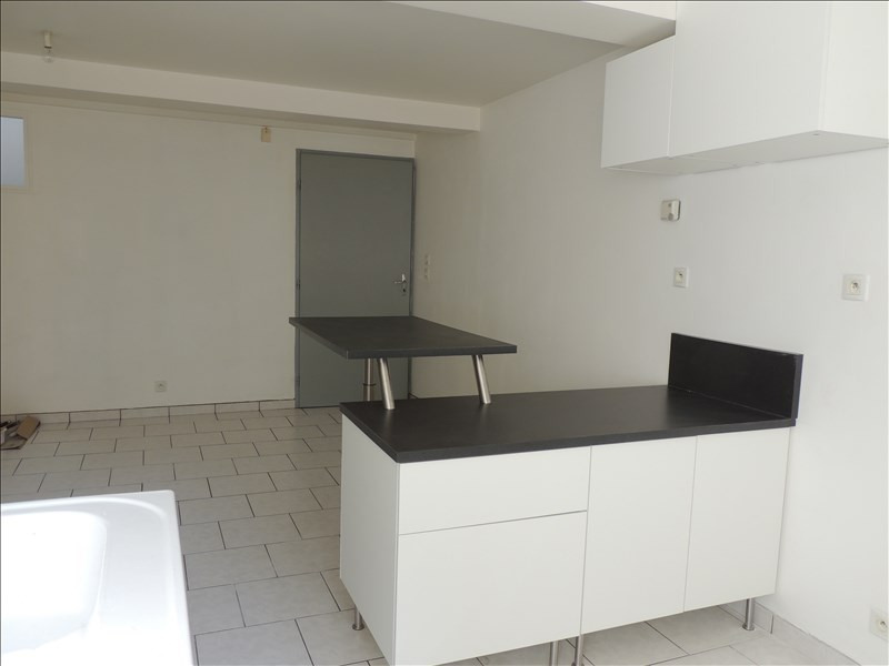 Rental apartment Ste colombe 560€ CC - Picture 2