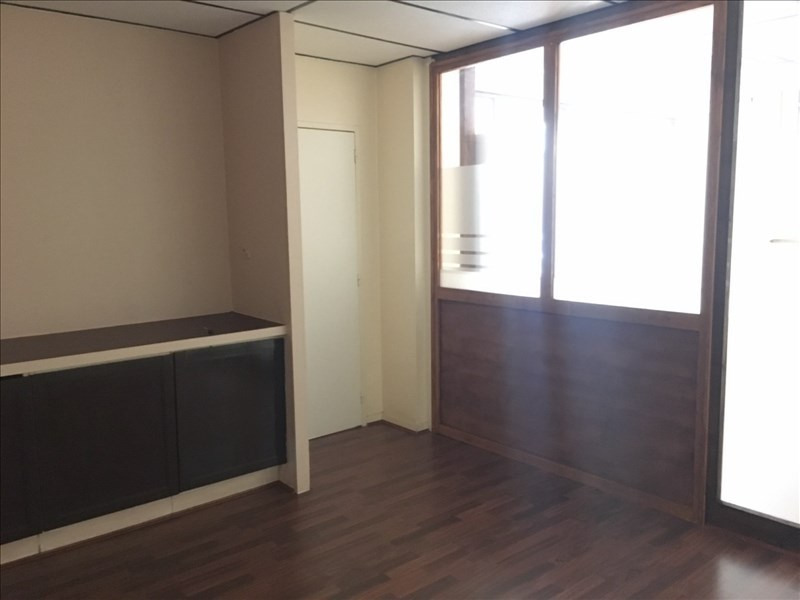 Location local commercial St romain en gal 700€ HT/HC - Photo 2