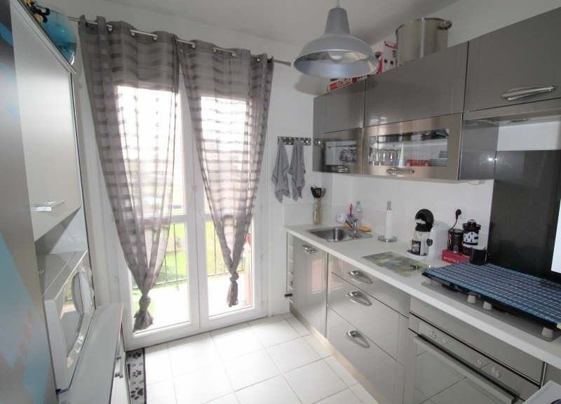 Sale apartment Maurepas 189 000€ - Picture 2