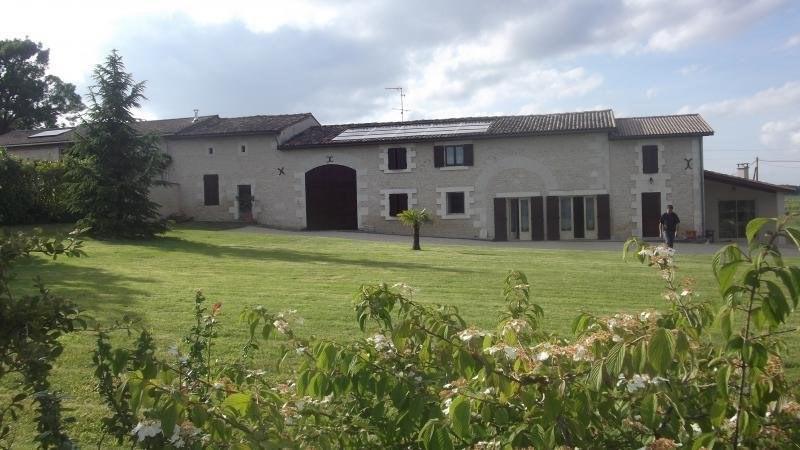 Sale house / villa Chatenet 239500€ - Picture 1