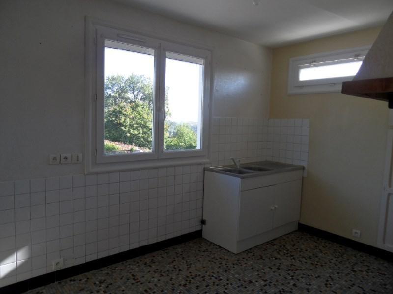 Rental house / villa Les avenieres 630€ CC - Picture 5