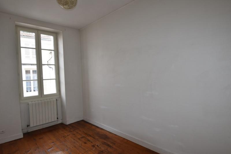 Rental apartment Saintes 606€ CC - Picture 8
