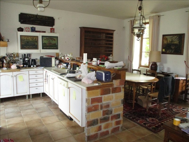 Rental house / villa St jean d angely 690€ CC - Picture 4