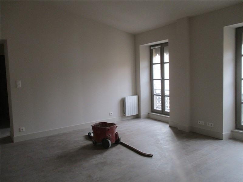 Verhuren  appartement Nimes 586€ CC - Foto 2