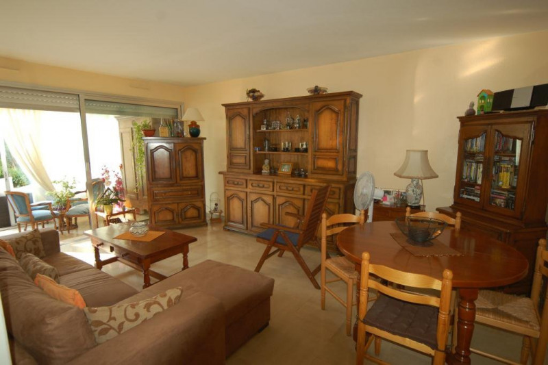 Sale apartment Antibes 267 000€ - Picture 2