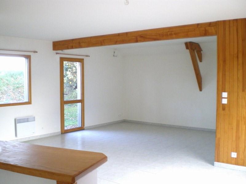 Location maison / villa Canisy 610€ CC - Photo 2