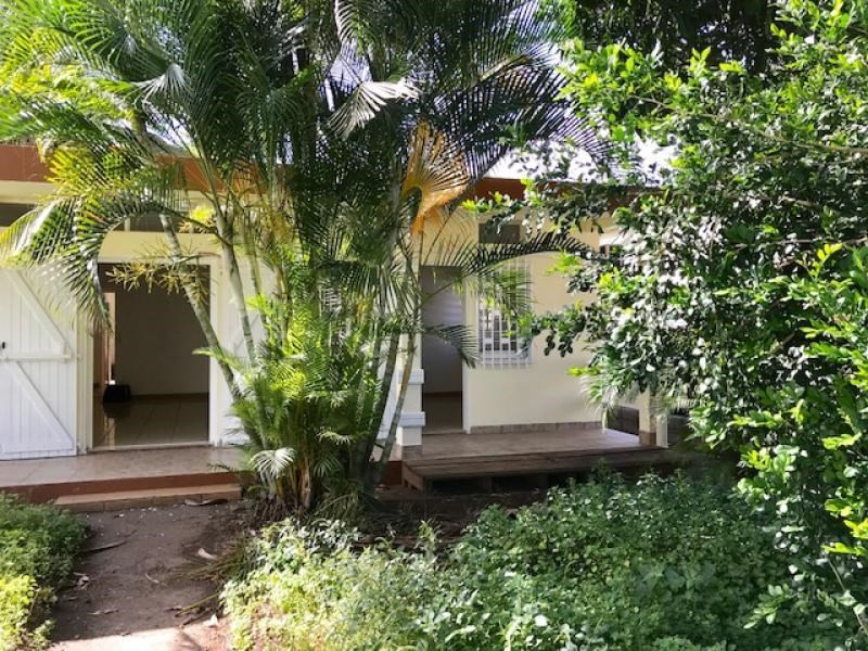 Investment property house / villa L etang sale 336000€ - Picture 1