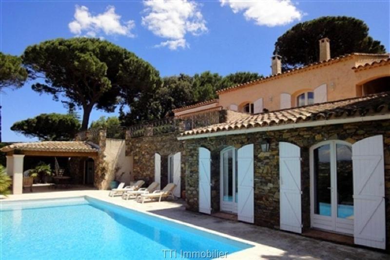 Deluxe sale house / villa Sainte maxime 1750000€ - Picture 1