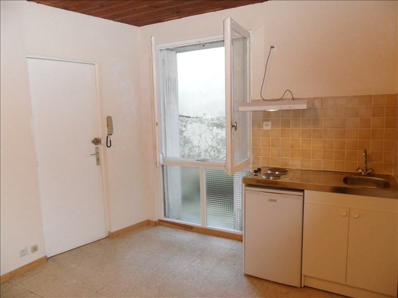 Location appartement Montpellier 375€ CC - Photo 1