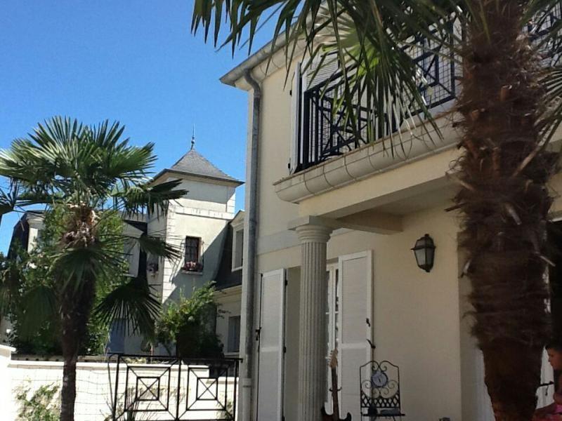 Sale house / villa La queue en brie 664900€ - Picture 2