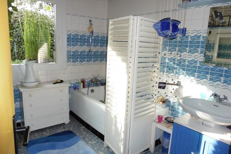 Sale house / villa St germain sur ay 252000€ - Picture 8