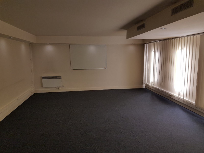 Location bureau Paris 13ème 6 950€ CC - Photo 2