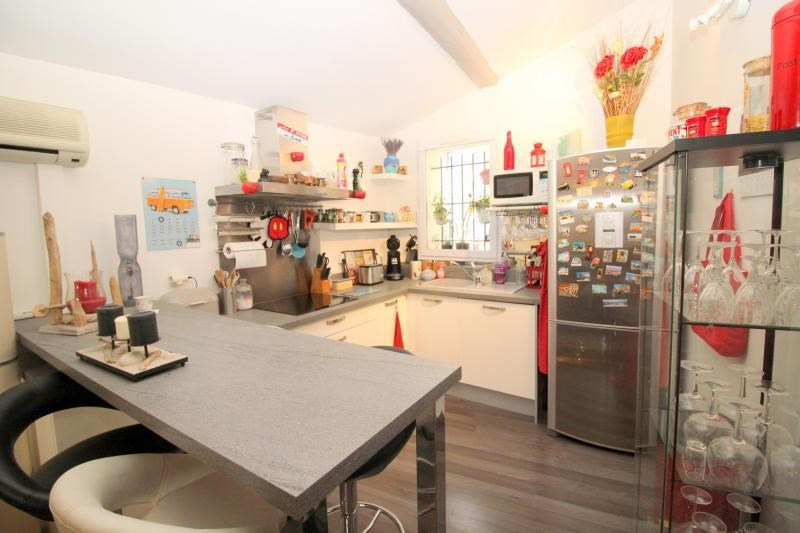 Vendita appartamento Salon de provence 177000€ - Fotografia 3