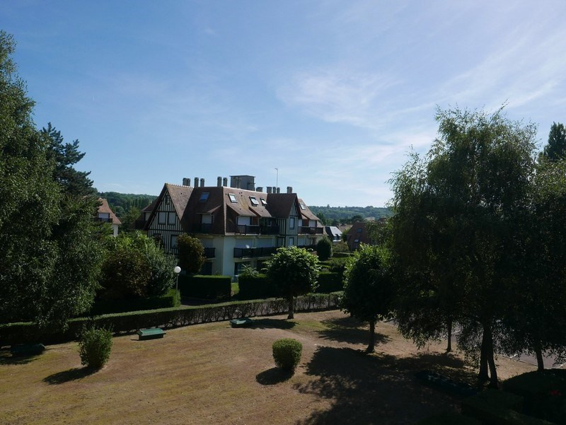 Sale apartment Deauville 296 800€ - Picture 1