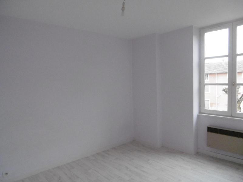 Location appartement Sain bel 559€ CC - Photo 2
