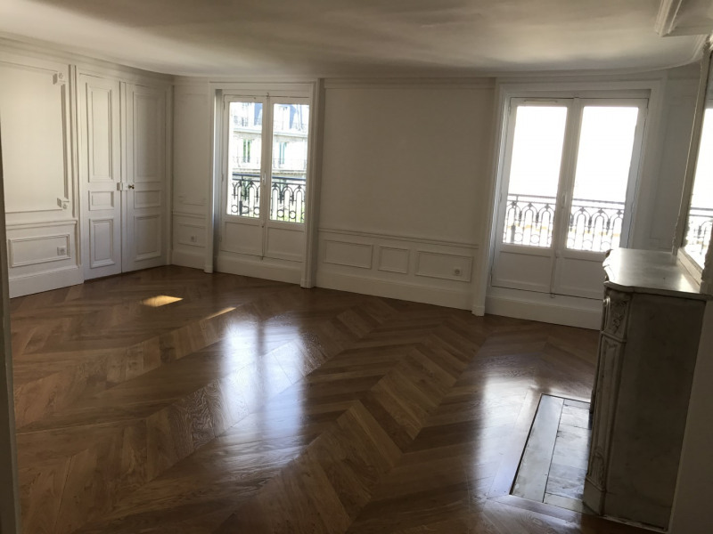 Location appartement Paris 8ème 5 450€ CC - Photo 3