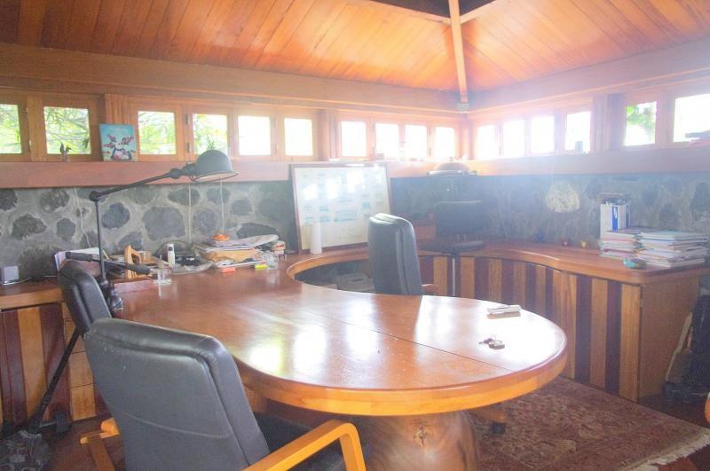 Deluxe sale house / villa Saint paul 1050000€ - Picture 2