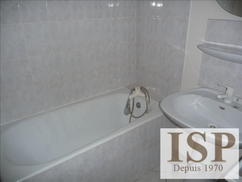 Rental apartment Les milles 650€ CC - Picture 5