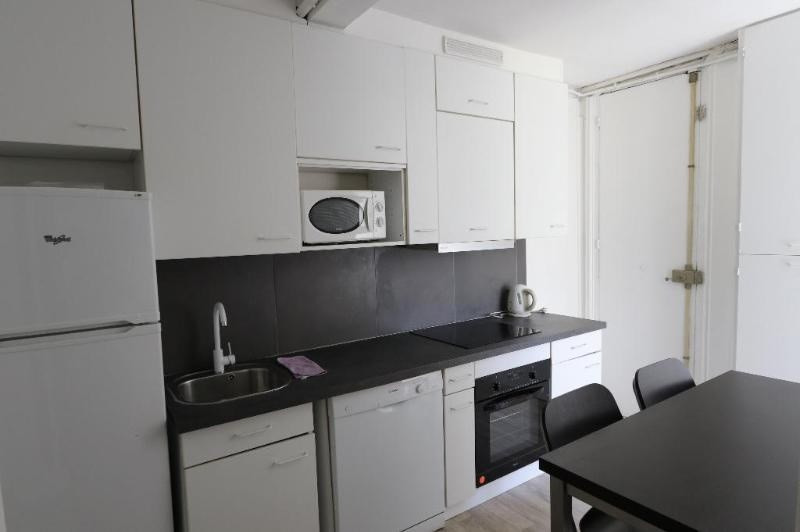 Location appartement Paris 8ème 3 900€ CC - Photo 8