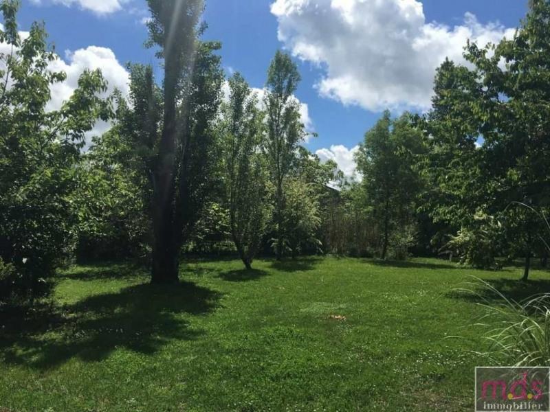 Beau terrain plat et clos de 800 m²