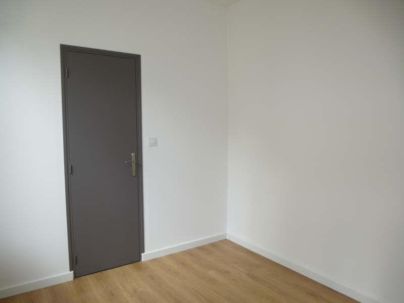 Location appartement Nimes 315€ CC - Photo 2