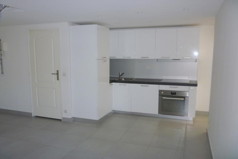 Sale apartment Nice 160 000€ - Picture 2