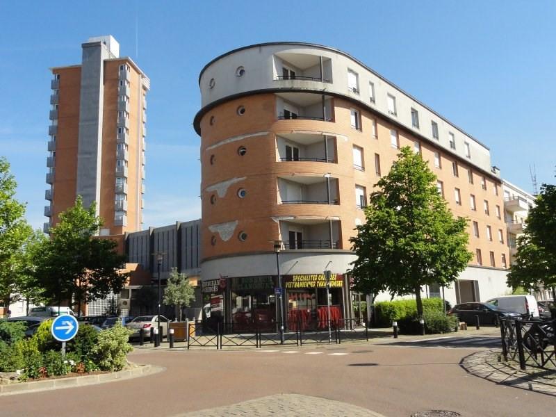 Revenda apartamento Elancourt 99000€ - Fotografia 1