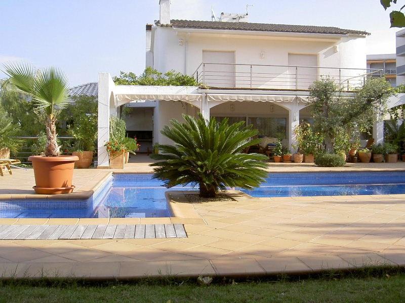 Vente maison / villa Roses santa-margarita 1750000€ - Photo 1