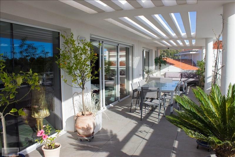 Deluxe sale apartment Carqueiranne 880000€ - Picture 10