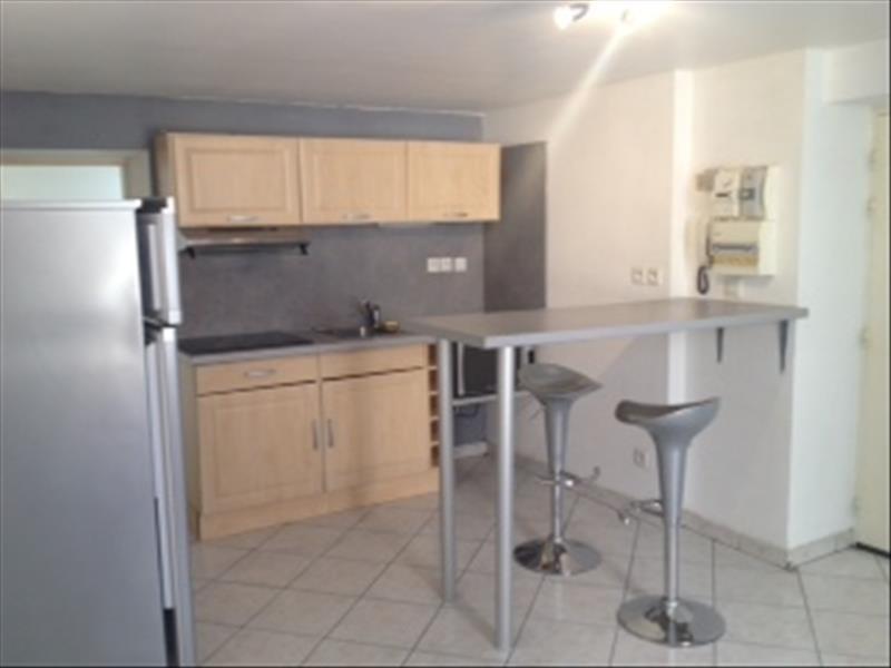 Rental apartment Cremieu 460€ CC - Picture 2