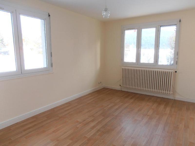 Rental apartment Maillat 596€ CC - Picture 1